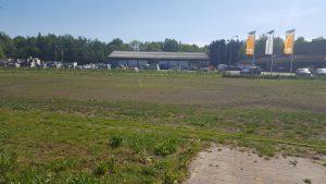 24 april: Fase 4 het gras begint te groeien. Iedere dag beregenen.